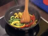 Патешки гърди с трицветен сос от чушки 5