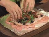 Пилешко руло със сушени домати, бекон и маслини 5