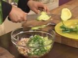 Зеленчукова салата с пушено пиле и авокадо 6