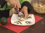 Зеленчукова салата с пушено пиле и авокадо 10