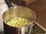 Пенне ригате с тиквички, пресни домати и маслини 4