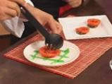 Десерт от задушени с ягоди домати и сладолед 6