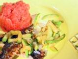 Скумрия на грил с тиквички и доматено...