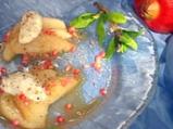 Задушени круши със сос от нар