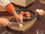 Супа от червена леща с маслинени кротончета 2