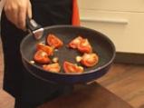 Супа от червена леща с маслинени кротончета 3
