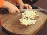 Супа от червена леща с маслинени кротончета 8