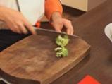 Броколи със сос от сусамов тахан