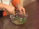 Броколи със сос от сусамов тахан 7