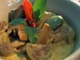 Пиле със зелено къри