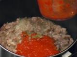 Свинско с пикантен доматен сос 4