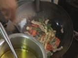 Пържен ориз със свинско по тайландски 3