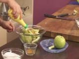 Ябълкова пита с орехи и стафиди 4