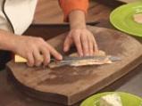 Пъстърва с орехова коричка и синьо сирене