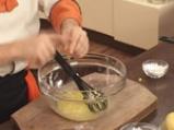 Шоколадов кекс с банани и ягоди 8