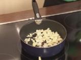 Пълнени чушки със сирене и орехи