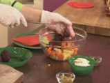 Салата с рулца от раци и картофи 4