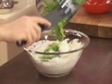 Скумрия в зелен сос и грахови тиганици 4