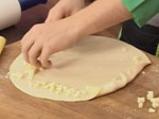 Пица с пуешка шунка и ананас 4