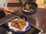 Картофени кюфтета с кайма и топено сирене 5