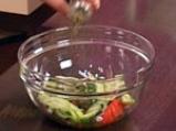 Зелена салата с мариновани калмари 4