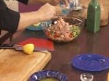 Салата от домати, краставици и риба тон 6
