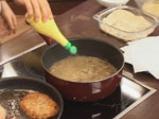 Домашен шницел с гъбен сос 8