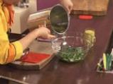 Салата от аспержи с краставици и пресен лук 2