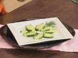 Салата от аспержи с краставици и пресен лук 4