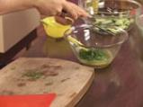 Салата от аспержи с краставици и пресен лук 8