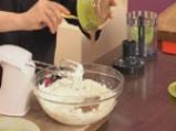 Ягодови топчета с бадеми и шоколад 3
