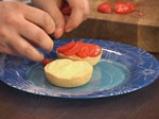 Торта с извара и ягоди 9