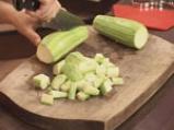 Студена супа от тиквички с дъх на сусам 2