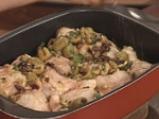 Пилешки бутчета със зелени маслини и фурми 9