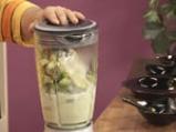 Лятна супа с тиквички и авокадо 2