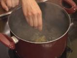 Лятна супа с тиквички и авокадо 3