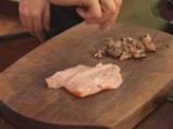Пилешко роле с пилешки дроб, пастет от пилешки дроб, чипс от пиле и олио от мащерка 5
