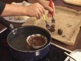 Орехови топчета с шоколад