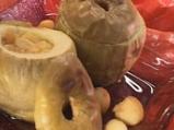 Пълнени ябълки със стафиди
