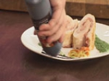 Пилешко руло с бекон и рагу от чери домати 10