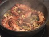 Задушен октопод с маслини, кедрови ядки и домати 5