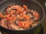 Задушен октопод с маслини, кедрови ядки и домати 6