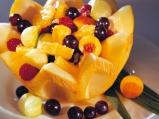 Плодова салата в пъпеш