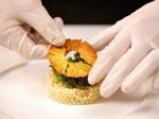 Патешки гърди върху кускус с чипс от ананас 3