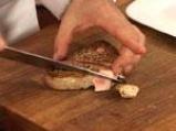 Стек от червена риба тон в билкова коричка, поднесен с ризото и маслинова брускета 8