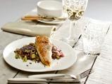 Пилешко филе с праз и черен ориз