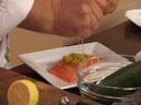 Салата от краставица със сьомга