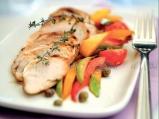 Пилешко филе със зеленчукова гарнитура