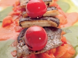 Филе от пъстърва върху доматено рагу