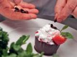 """Шоколадова кошничка с пресни ягоди и крем """"Маскарпоне"""" 6"""